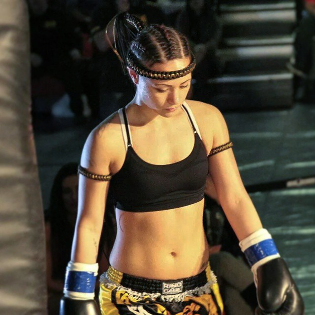 mma fighter dating site